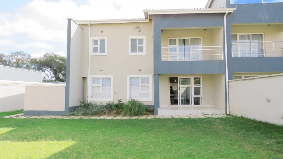 4 BED APARTMENT AVAILABLE TO RENT FURNISHED